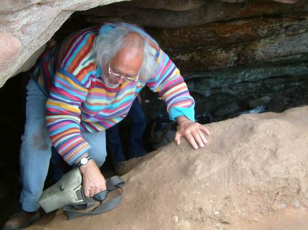 wemyss caves, mick leaves the sloping cave